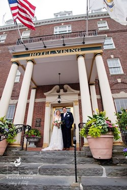 Reception Recap: Hotel Viking (Sue & Luis)