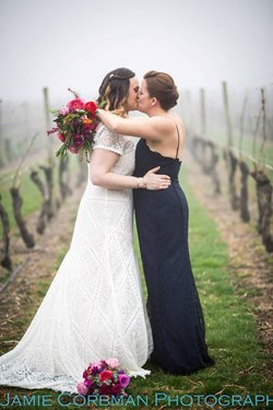 Reception Recap: Newport Vineyards (Jess & Beth)